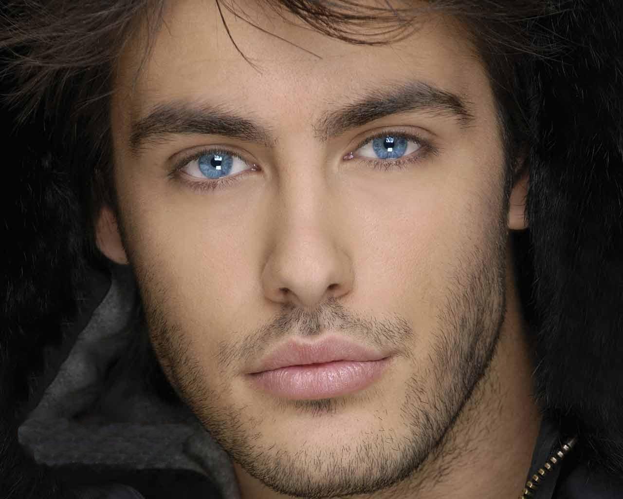 blue-eyed-guy
