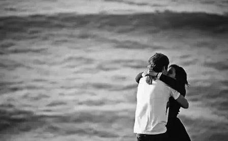 接吻時,男人的手放在哪裡,可以透露出他心底的小秘密.......