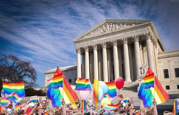 Facebook 驚見大量彩虹,原來是因為美國全州同性婚姻合法化了!