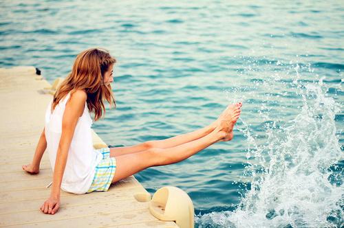 fun-girl-smile-sunny-day-water-Favim.com-75751