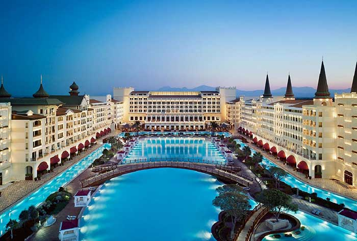 踏入2016年一月,普京強勢制裁土耳其的效果已經浮現!超過1300家土耳其各級酒店已經紛紛陷入倒閉危機!