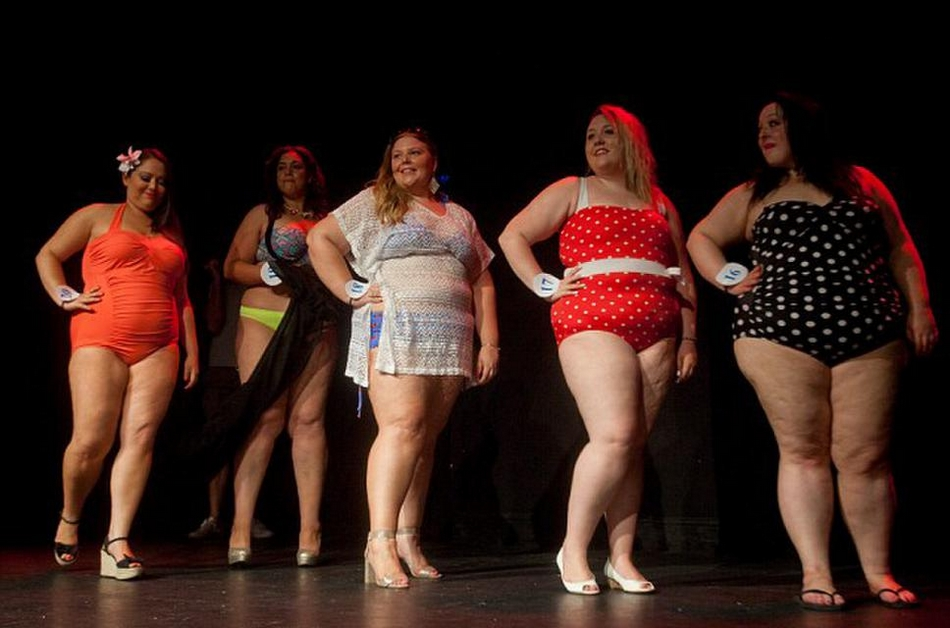 Pictures from fat chance beauty competition, mean ass pitbull